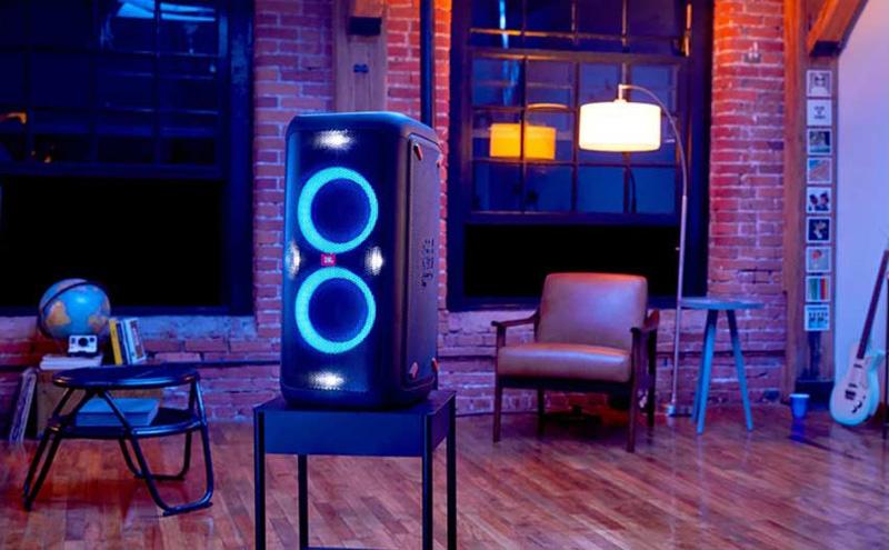 Loa di động JBL PartyBox 100 đẹp mắt với hệ thống đèn LED