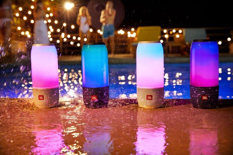 Loa Bluetooth mang đến sự yên tâm nhờ tính năng chống nước cực tốt