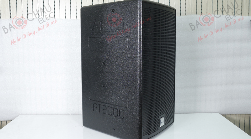 Loa Alto AT2000 với tông đen bóng cao cấp