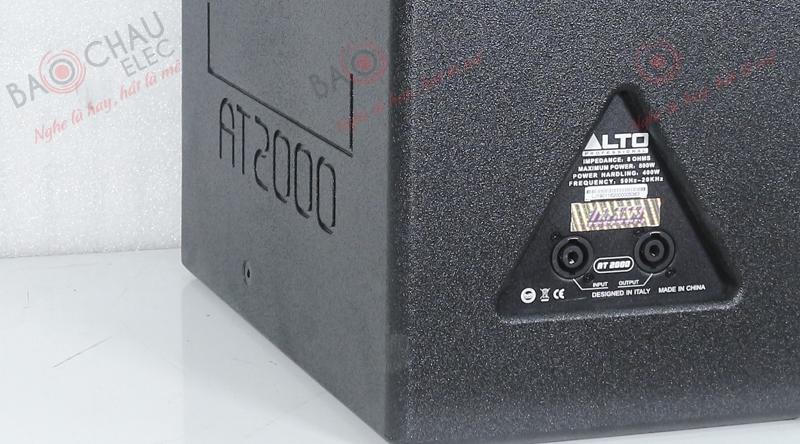 Mặt sau loa Alto AT2000 trang bị 2 cổng Neutrik