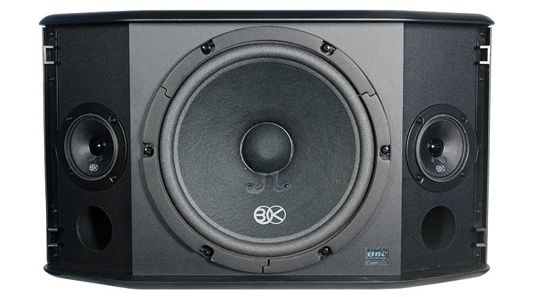 BIK BQ-S63 có cấu trúc 3 loa cho ra 2 đường tiếng