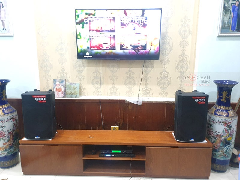 Khách hàng tại Đà Nẵng lựa chọn loa Alto TX215 cho dàn karaoke của mình