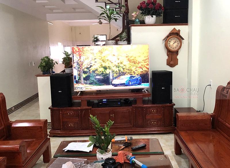 Tổng thể dàn karaoke của gia đình anh Hân sau khi được đội ngũ kỹ thuật viên của Bảo Châu Elec lắp đặt hoàn thiện