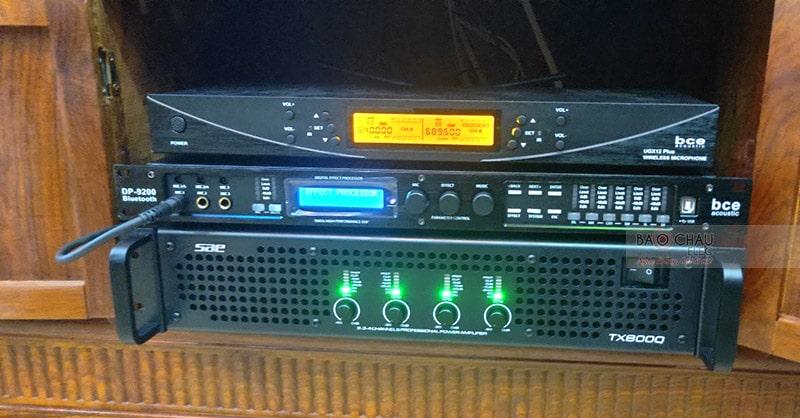 Cục đẩy 4 kênh SAE TX800Q kết hợp với vang số BCE DP 9200 Bluetooth giữ nhiệm vụ khuếch đại và xử lý tín hiệu âm thanh ra loa hay nhất
