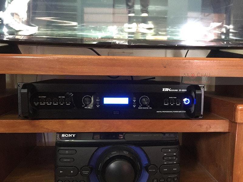 Đẩy liền vang kèm micro không dây BKsound DP8000 - thiết bị 3 trong 1, nhỏ gọn, tiện lợi, dễ sử dụng, phù hợp với nhiều không gian giải trí khác nhau. Sản phẩm được tích hợp nhiều tính năng hiện đại, xử lý và khuếch đại âm thanh ra loa cực hay.