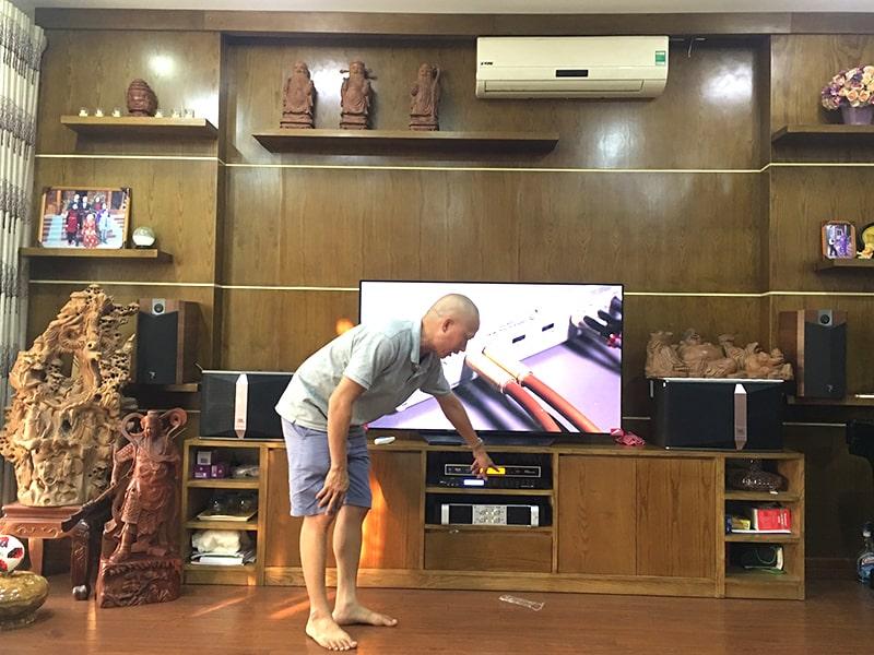 Khánh hàng tại Hà Nội lựa chọn loa JBL Ki510 cho dàn karaoke của gia đình mình