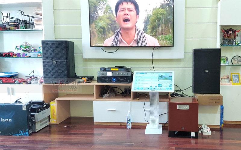 Khách hàng tại TP. Hồ Chí Minh chọn cục đẩy Crown XLi2500 cho dàn karaoke của gia đình mình