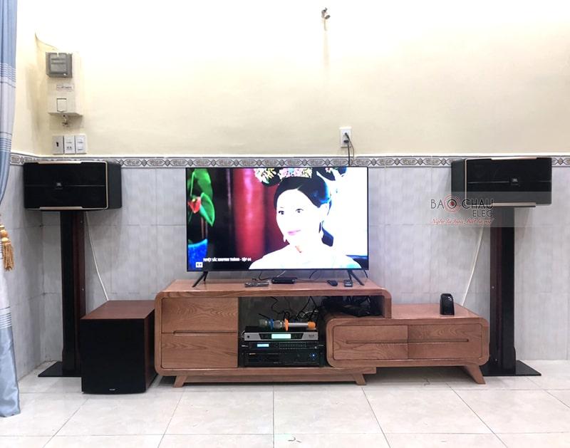 Tổng thể dàn karaoke của gia đình chị Quỳnh sau khi được đội ngũ kỹ thuật viên của Bảo Châu Elec lắp đặt hoàn thiện