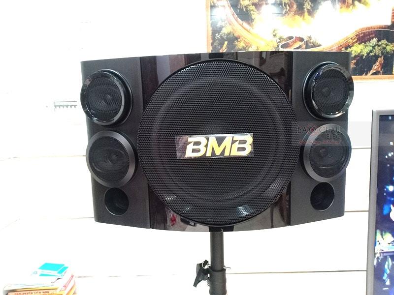 Loa karaoke BMB CSE312(SE) được sản xuất trên dây chuyền công nghệ hiện đại với nguồnlinh kiện cao cấp, quy trình kiểm tra chọn lọc kỹ càng mang đến sự bền bỉ