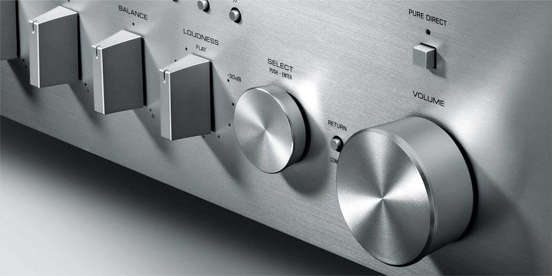 Amply YamahaR-N803 Thiết kế ngoại thấttinh tế