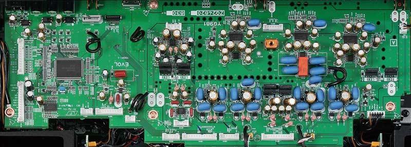 Amply Yamaha A-S1100 (Bạc) Cấu hình riêng biệt toàn bộ giai đoạn để tái tạo mạnh mẽ các nốt cao