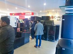Rộn ràng mua sắm giáp Tết Nguyên đán 2018 tại showroom của Bảo Châu Audio
