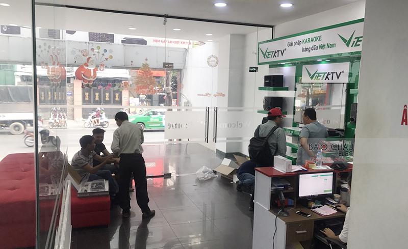 Không khí mua sắm ngày Tết ở Sài Gòn 01