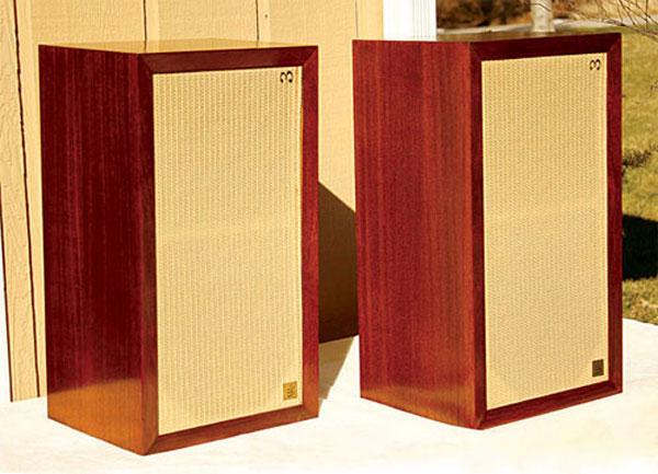 Loa AR4 - một trong những tên tuổi nổi tiếng của dòng 3 đường tiếng chơi nhạc vàng cực hay
