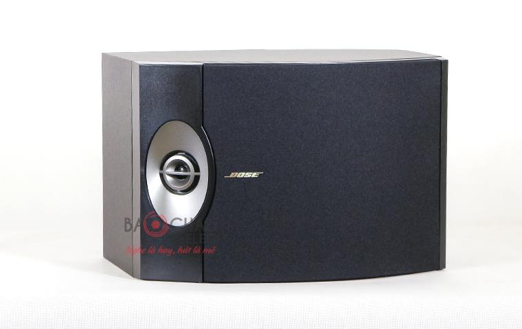 Loa Bose 301 series 5 mặt trước với êcang