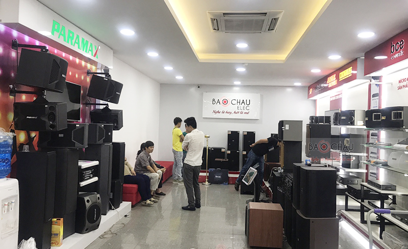 Không khí mua sắm ngày Tết ở Sài Gòn 04